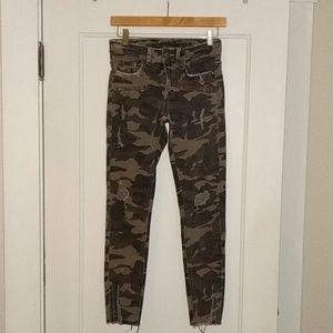 Zara distressed camo jeans from Z1975, sz 2